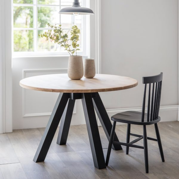 Round Dining Table Raw carbon