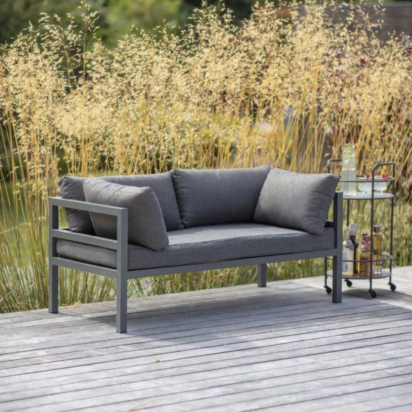 West strand sofa
