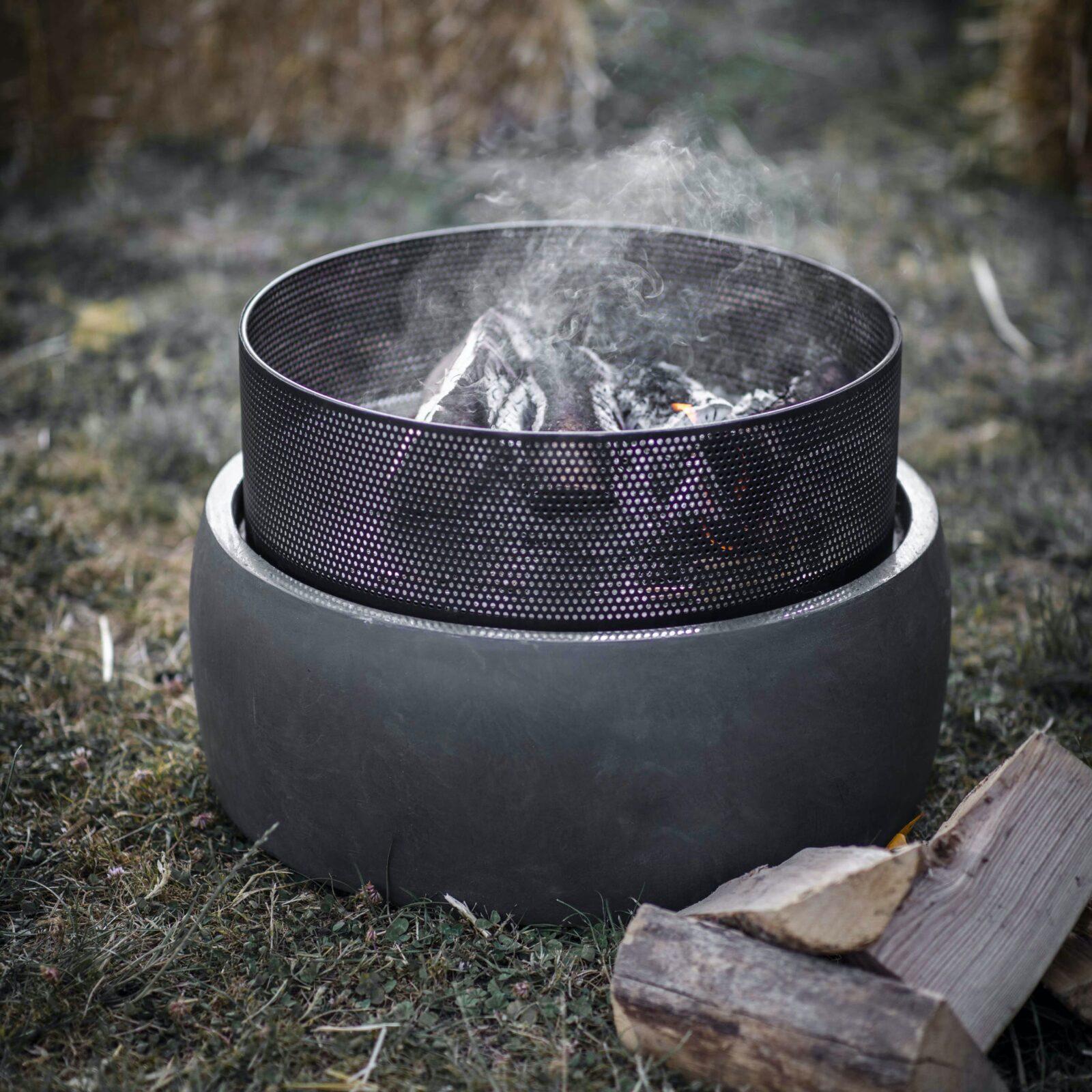 Idbury Fire Pit - Cast Iron