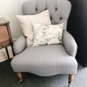 Camden button back chair